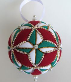 Christmas Ornament Green and White 4 Pointed by OrnamentDesigns Quilted Christmas Ornaments, Fabric Ornaments, Ball Ornaments, Christmas Balls, Christmas Crafts, Christmas Decorations, Fabric Balls, Fabric Ribbon, Sewing Crafts
