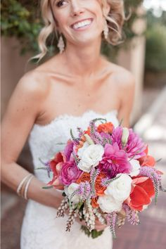 I also love the wispy florals in this bouquet - this adds the perfect amount of 'mess' to the overall shape.