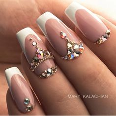 Pretty Diamond Nail Art Designs, Wearing diamonds on your nails may simply be the epitome of luxury. Glitter Kunst, Glitter Nail Art, Nail Art Diy, Diy Nails, Diy Art, Glitter Manicure, Swarovski Nails, Crystal Nails, Rhinestone Nails