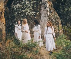 Most think that Foxtel's remake of 'Picnic at Hanging Rock' is pure fiction. There are some rumours that the book and film could be based off a true story. Fashion Moda, Fashion Show, Rock Fashion, Picnic At Hanging Rock, Shot Film, Bridesmaid Dresses, Wedding Dresses, Rock Style, Flower Girl Dresses