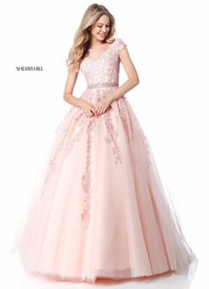 Shop classic ball gowns and ball gown prom dresses at PromGirl. Ballroom gowns, long formal dresses, designer prom ball gowns, plus-sized ball gowns, and ball gown dresses. Sherri Hill Prom Dresses, A Line Prom Dresses, Quinceanera Dresses, Modest Dresses, Elegant Dresses, Pretty Dresses, Beautiful Dresses, Formal Dresses, Dresses Art