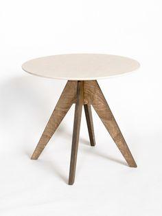 Mesa de comedor lacada redonda de contrachapado EDI by Radis diseño Sylvia-J…