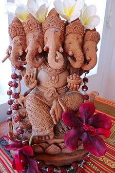 Many-headed Ganesha by vegeyum