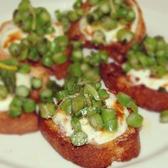 A must for our next dinner party - Asparagus & Lemon Bruschetta!