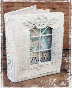 Super cute mini. Unable to see more from the site but it is a shadow box window which is a good idea. I'm pinning to remind me to try this.
