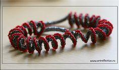 Beaded Jewelry, Beaded Necklace, Beaded Bracelets, Pendant Necklace, Necklaces, Ruffle Beading, Rubrics, Bead Weaving, Beading Patterns
