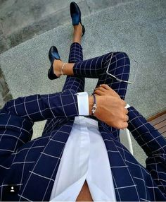 Plaid blue suit menswear - My Style - dapper men's wear - Anzug Terno Casual, Casual Attire, Checkered Suit, Blazer Outfits Men, Moda Formal, Mode Costume, Designer Suits For Men, Herren Outfit, Mode Masculine