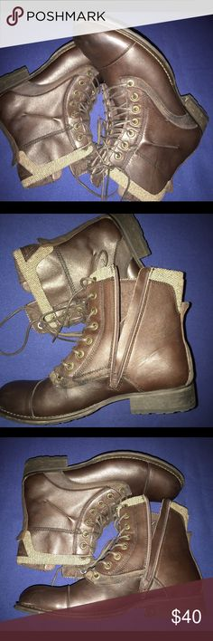 Men's Guess size 10 Just like new Guess Shoes Boots
