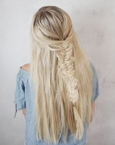 Love simple half up hairstyles, here is a look that is very common – a fishtail braid! I created this hair tutorial to help you always feel your best & look amazing. Read the steps below and then let