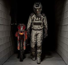 Moto Enduro, Moto Guzzi, Scrambler, Enduro Motocross, Bmx, Ryan Dungey, Dirt Bike Quotes, Cool Dirt Bikes, Bike Photoshoot