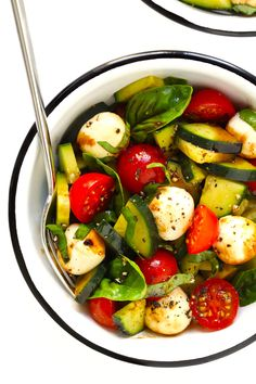 Caprese Cucumber Salad recipe is quick and easy to make with 5 main ingredients -- fresh cucumber, tomato, basil, mozzarella and an easy balsamic glaze. by Gimme Some Oven Cucumber Pasta Salad, Caprese Salad Recipe, Caprese Pasta Salad, Pasta Salad Recipes, Arugula Salad, Spinach Salad, Quinoa Salad, Ensalada Caprese, Cooking Recipes