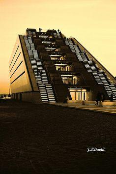 :::Hamburg Dockland:::