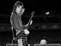 RANDY RHOADS' RIVALRY WITH EDDIE VAN WHO…AND THE RIFF THAT SAVED ...