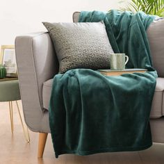 Emerald Green Fabric Throw 130 x 180 cm Elise
