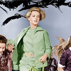 23 Halloween Costume Ideas Inspired By TV & Movie Characters Hollywood Or Bust, Hooray For Hollywood, Alfred Hitchcock The Birds, Color In Film, Classic Outfits, Classic Clothes, Last Minute Halloween Costumes, Cult Movies, Movie Costumes
