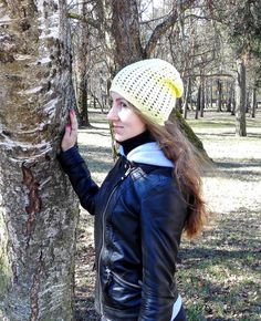 Slouchy spring hat for women yellow and white by MadeByKirsti