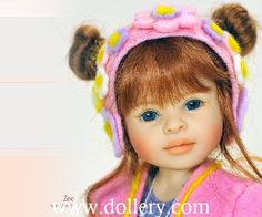 Zoe 2016 10.5 inches tall