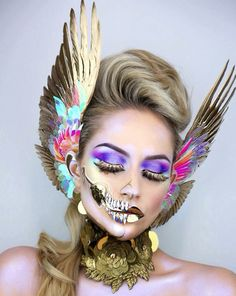 Halloween 2019 is approaching. Have you planned your Halloween makeup? If not, let's take a look at our 50 + most scared and cool Halloween makeup, hoping to give you the greatest inspiration. Fx Makeup, Skull Makeup, Eyeliner Makeup, Makeup Brush, Vanessa Davis, Make Up Designs, Face Awards, Fantasy Make Up, Fantasias Halloween