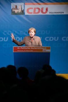 Fotograf Kassel   Bundeskanzlerin Angela Merkel   Politischer Aschermittwoch CDU Volkmarsen   Karsten Socher Fotografie http://blog.ks-fotografie.net/pressefotografie/angela-merkel-volker-bouffier-kwhe16-volkmarsen/