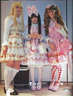 Brolitas Blog Cultural : December 2015 Baby Blue Dresses, Pretty Dresses, Kawaii Fashion, Lolita Fashion, Lgbt, Brolita, Feminized Boys, Amazing Cosplay, Babydoll Dress