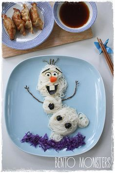 Olaf was made using somen noodles, cheese, nori (Nori is the Japanese name for an edible seaweed) and carrots. His hands were made using grape stems and can't be eaten. The somen was eaten cold with a dipping sauce shown to top right.