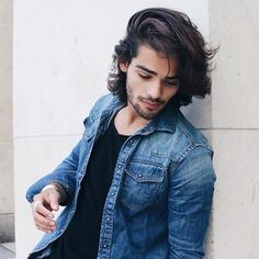 Image may contain: 1 person Portrait Photography Men, Photography Poses For Men, Cool Hairstyles For Men, Boy Hairstyles, Hair And Beard Styles, Curly Hair Styles, Boy Haircuts Long, Stylish Men, Sexy Men