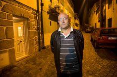 Um habitante de Constantim, Vila Real, onde Pedro Dias foi visto ao fim da tarde de domingo, bloqueou inadvertidamente a ação da Guarda Nacional Republicana que seguia no encalço do fugitivo.