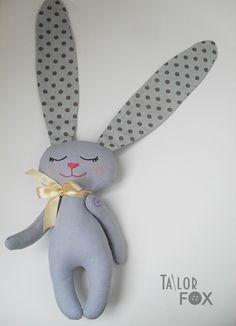 Мягкая игрушка Зайка-сплюшка с длинными ушами Высота 19 см - ручная работа