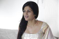 actress shraddha das wallpaper   http://www.atozpictures.com/punnami-rathri-movie-pictures