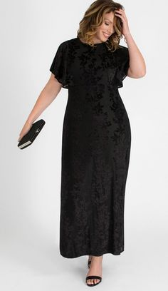 Kiyonna Womens Plus Size Parisian Dream Evening Gown Plus Size Gowns Formal, Plus Size Black Dresses, Plus Size Evening Gown, Black Evening Dresses, Plus Size Outfits, Evening Gowns, Maxi Dress With Sleeves, Floral Maxi Dress, Plus Size Fashion