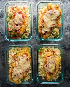 Mexican chicken and cauliflower rice meal prep bowls make for a tasty, low carb work lunch that can be prepped on the weekend. Mexican chicken and cauliflower rice meal prep bowls make for a tasty, low carb work lunch that can be prepped on the weekend. Lunch Meal Prep, Meal Prep Bowls, Easy Meal Prep, Healthy Meal Prep, Easy Meals, Low Carb Lunch, Weekend Meal Prep, Meal Preparation, Healthy Lunches