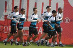 CHIVAS DA A CONOCER LISTA DE CONVOCADOS CONTRA ALEBRIJAES El Cuerpo Técnico de Chivas, comandado por Matías Almeyda, convocó 24 jugadores para el enfrentamiento de Cuartos de Final de la Copa MX ante Alebrijes de Oaxaca.