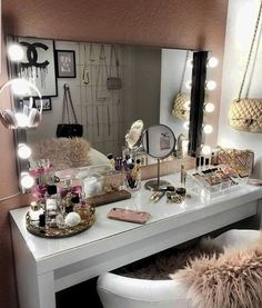 Untitled bedroom inspo room decor, bedroom decor ve dream bedroom. Diy Apartment Decor, Home Office Decor, Bedroom Inspo, Bedroom Decor, Bedroom Ideas, Glam Room, Stylish Bedroom, Makeup Rooms, Room Setup
