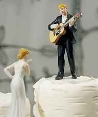 Guitar Wedding Cake Topper | Muñequitos de torta de casamiento divertidos y originales