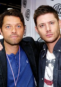 OMG!! I just LOVE Cockles! > Misha Collins and Jensen Ackles (TOO much beauty in one picture!!) :D<<<I swear to god I SHIP THOSE EYES