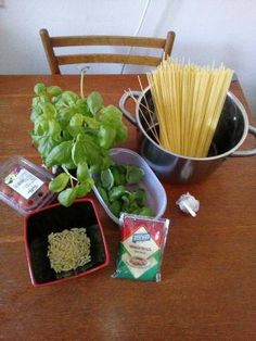 https://officecuisine.wordpress.com/2017/10/06/pasta-al-pesto-alla-trapanese/