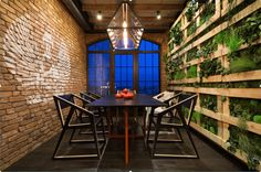 30 Breathtaking Living Wall Designs for Creating Your Own Vertical Garden - http://freshome.com/living-wall-vertical-gardens/