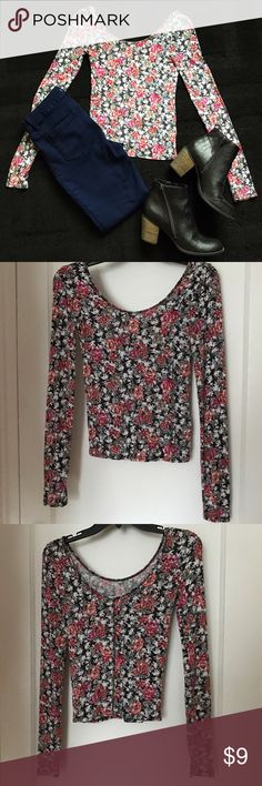 ✨NEW✨ Floral Long Sleeve Crop Top Long sleeve crop top in beautiful floral print. Floral print is pink, red, black, white, blue and brown. Only worn a couple of times! Top has a swoop neckline and lower swoop back. Map to Mars brand from Aeropostale. Aeropostale Tops Crop Tops