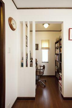 【リフォーム】元々クローゼットのあった場所に設置した主寝室の書斎。|書斎|【オーナーズレポートをホームページにて掲載中】