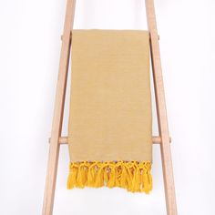 A summertime Mustard Blanket for the beach and picnics
