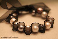 DIY: ribbon bracelet