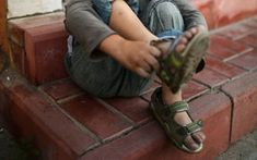 A study of more than 2000 New Zealand children has found nearly half are sleeping in bedrooms that are too cold. Income Support, Food Insecurity, Being In The World, Child Life, Insecure, Child Poverty, Children, Monitor, Bedrooms