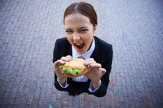 Crecen trastornos alimentarios en adolescentes