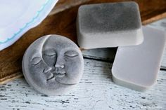 This Bentonite Clay Soap is great for the skin and has detoxification benefits as well. Thesimple melt and pour clay soap recipe isquite easy to make, even for someone who has never made soap before. The soap making project only takes about 10 minutes, excluding cooling time and is perfect for beginners. Bentonite Clay Soap Bentonite clay in the bath helps in eliminating harmful toxins from the body. Of course adding the clay to soap imparts those benefits too, granted to a lesser level…
