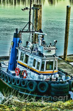 """The """"Shaman"""" is a nice looking tug that works along the Fraser River in Mission, B.C. www.rharrisphotos.com"""