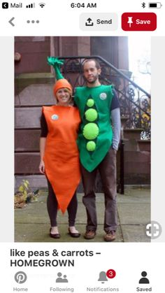 Another Halloween, another homemade felt costume . This year, we went together like peas and carrots. And locally grow. Themed Halloween Costumes, Purim Costumes, Halloween Kostüm, Cool Costumes, Holidays Halloween, Costume Ideas, Crazy Costumes, Halloween Activities, Vegetable Costumes