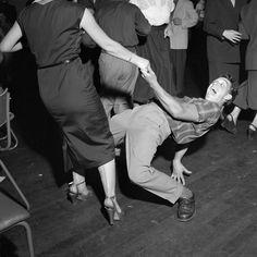 Dancing with bebop music, 1953. Photo by Lood van Bennekom.