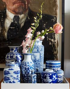 via Patterson Maker Miller Have no fear - blue and white Chinese porcelain is not missing a step in 2017 and will continue to be as strong as ever, if not more so. What is new is styling blue and whit