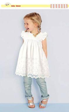 Alibaba グループ | AliExpress.comの ドレス からの 2016ホットファッション女の赤ちゃんレースドレス幼児プリンセス夏スタイルホワイト半袖中空ドレス女の子服卸売 中の 2016ホットファッション女の赤ちゃんレースドレス幼児プリンセス夏スタイルホワイト半袖中空ドレス女の子服卸売