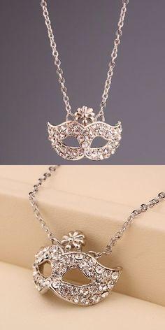 Masquerade necklace | jewelry design